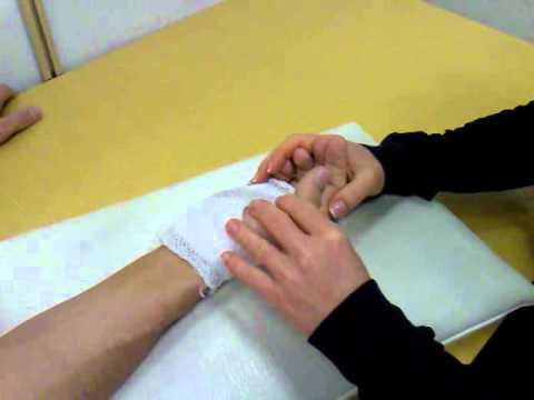 az ujjak ízületeinek rheumatoid arthritis)