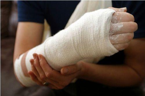 ha a jobb kéz könyökízületének fájdalma van