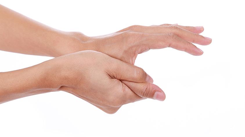 mit kell fájni az ujjak ízületeit)