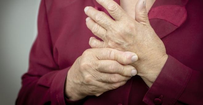 ízületi gyulladás a bal hüvelykujján