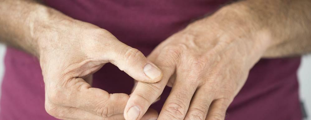 dudor és fájdalom a kézízületben