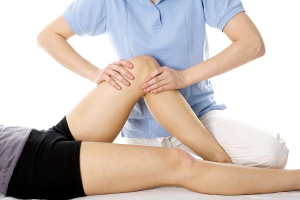 térdízületi fájdalom a hajlítás és meghosszabbítás során)