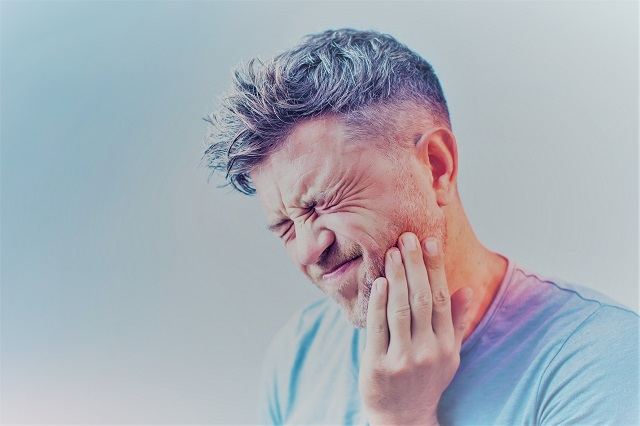 az ízület a fogorvos után fáj