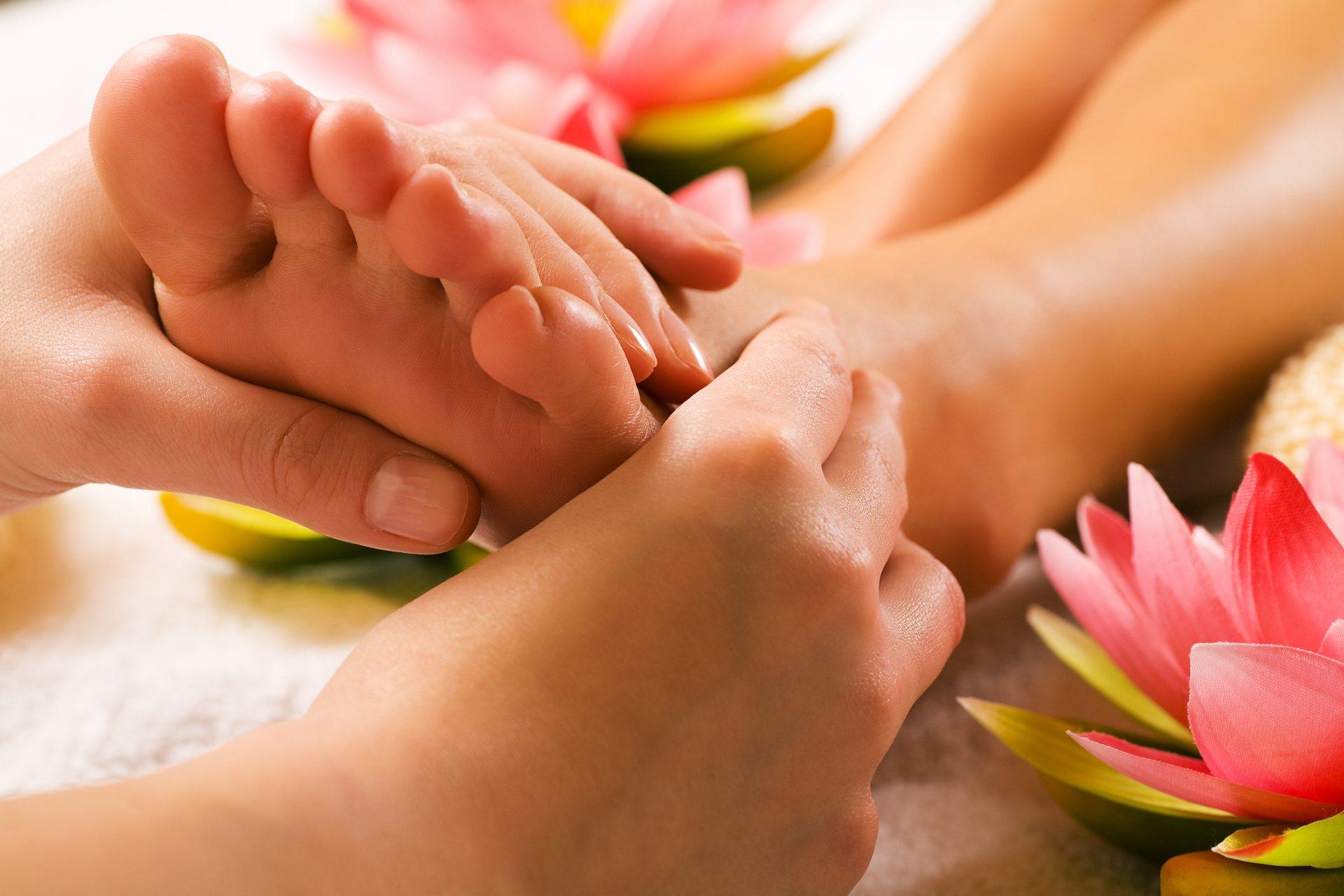 elfordítja a lábak ízületeit, hogyan kell kezelni)