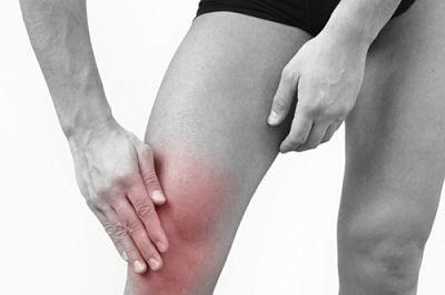térdödéma és fájdalom mozgáskorlátozás)