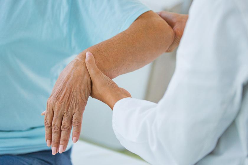 milyen fájdalmat okozhat a kéz ízülete
