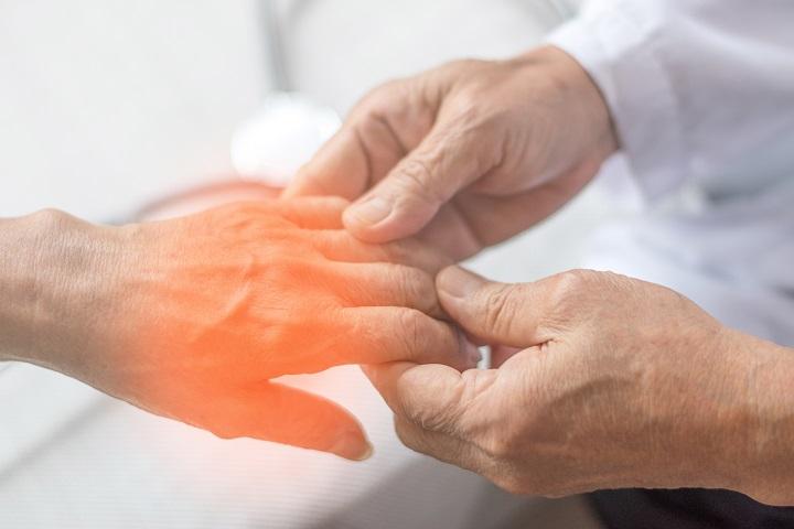 ízületi fájdalom és a kezek végtagjainak zsibbadása
