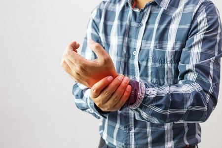 a karok és a lábak ízületei fájnak a kezelést
