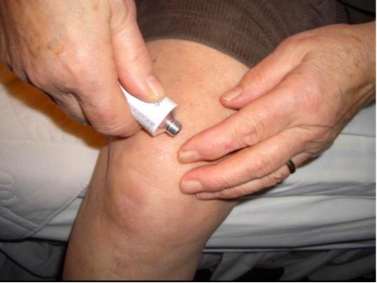 a reumatológus az artrózist kezeli)