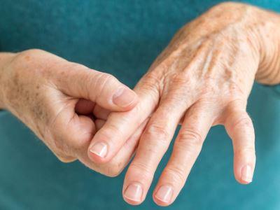 az ujjízület kapszula sérülése