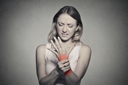 miért fájnak a csontok és ízületek nőkben