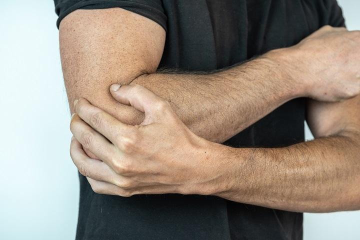 ízületi gyulladás a könyökben, hogyan lehet enyhíteni a fájdalmat