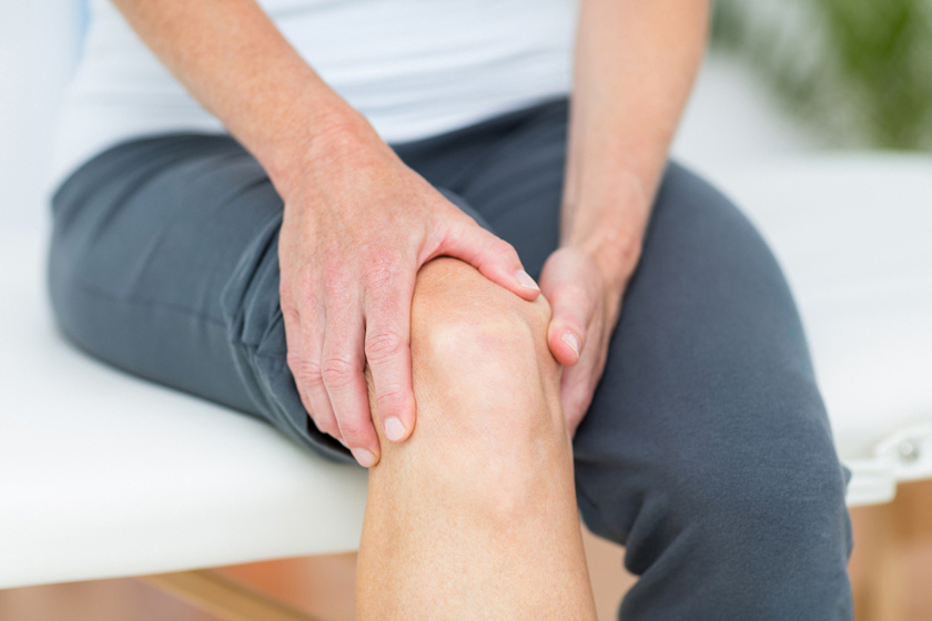 masszázs csontritkulás és ízületi fájdalmak kezelésére kenőcs duzzadt ízületekre